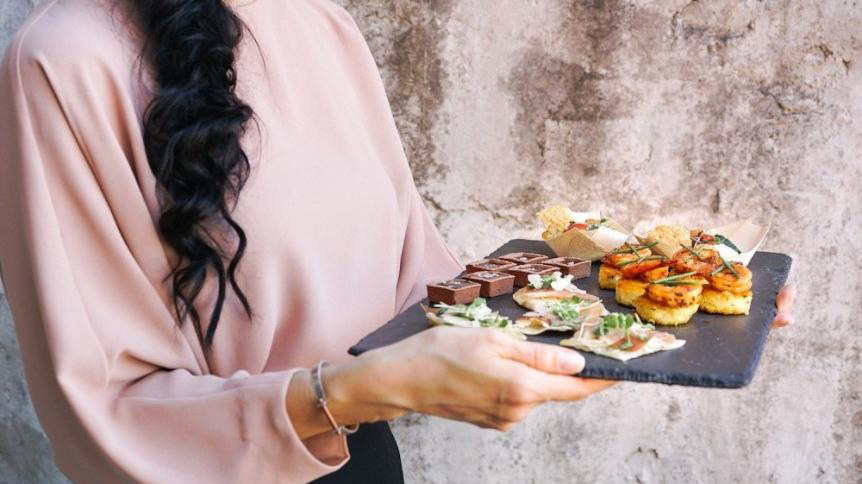 Jedzenie tych produktów może pogorszyć Twoją cerę!