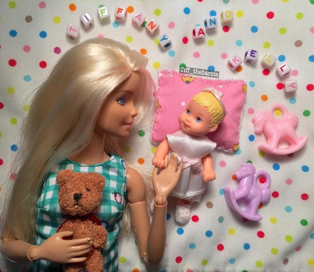 Co słychać u Barbie? Jej konto na Instagramie podbija internet!