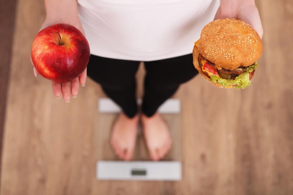 Jesz węglowodany przed snem i nadal chudniesz? Oto nowa, kontrowersyjna dieta!