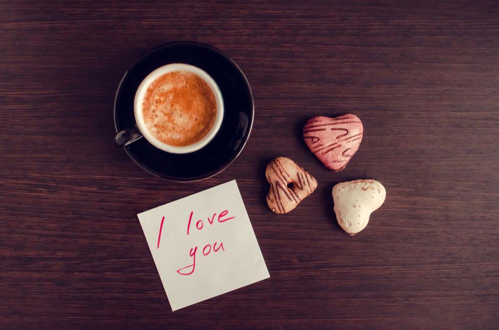 6 zachowań, po których poznasz, że on się w Tobie kocha!