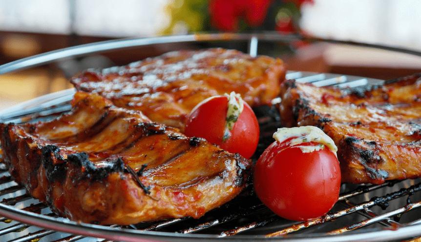 Jak właściwie przygotować mięso na grilla?
