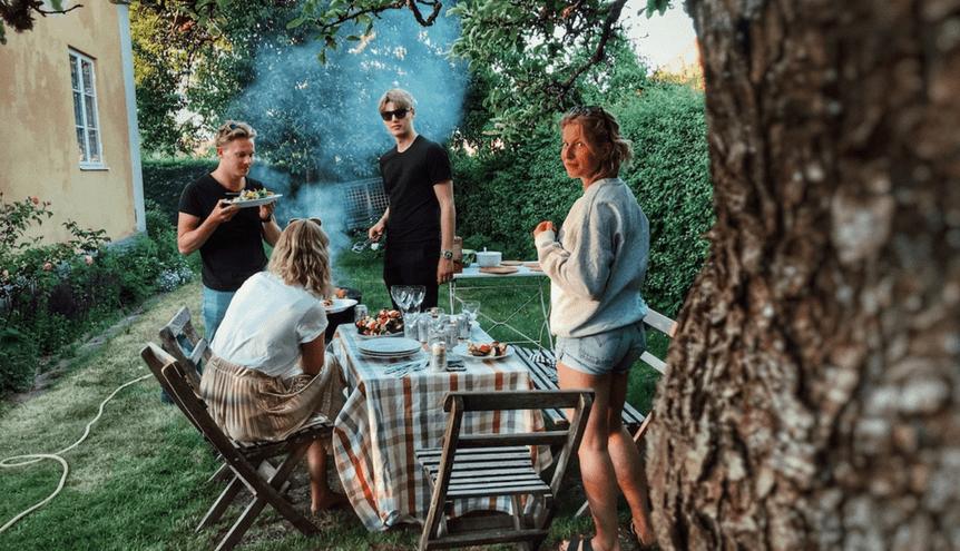 Urządzanie grilla – o czym należy pamiętać podczas przygotowania barbecue?