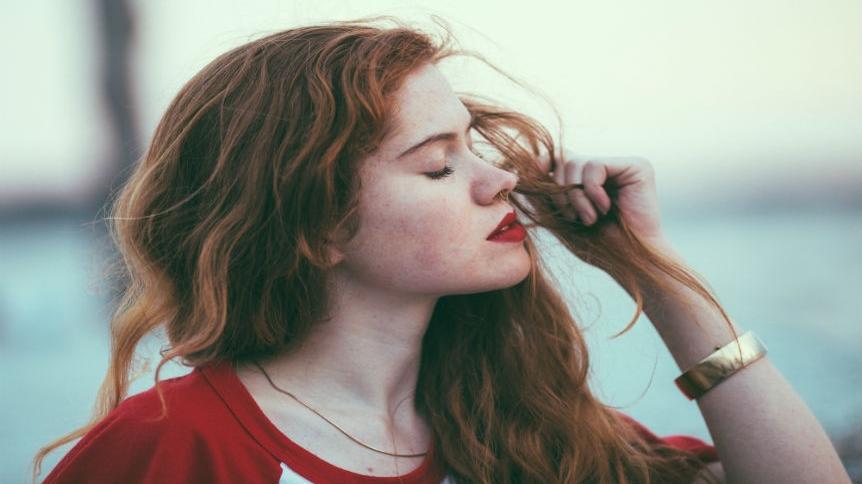 7 najgorszych rzeczy, jakie możesz zrobić swoim włosom!