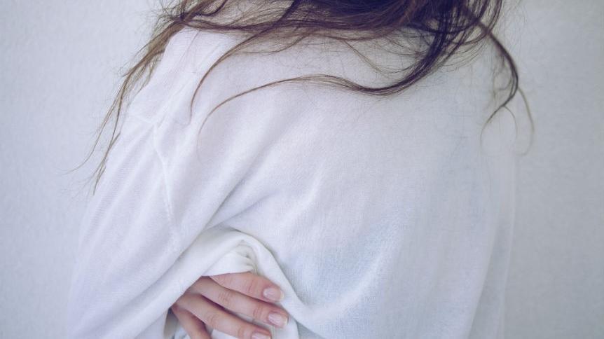 7 rzeczy, które mogą sprawić, że twoje skurcze miesiączkowe będą boleśniejsze