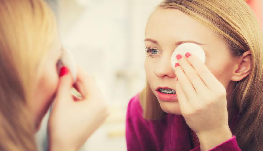Jak dobrze zmywać makijaż? Prawdopodobnie robisz to źle!