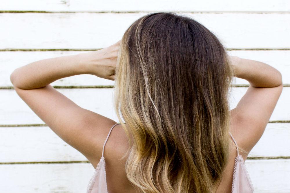 7 sposobów na nadanie cienkim włosom objętości