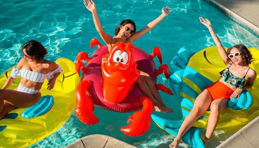 """Kolekcja basenowa """"Mała syrenka"""" to spełnienie marzeń każdego fana Disneya!"""