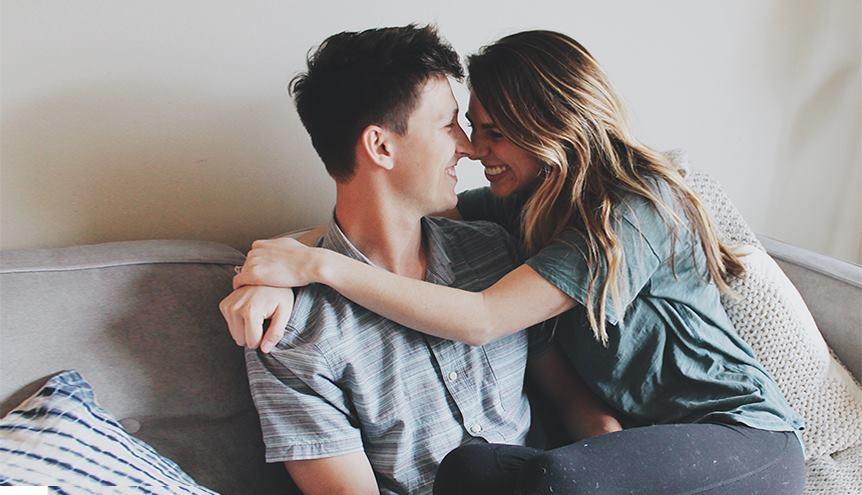 Jak poznać, że on jest w Tobie zakochany po uszy?