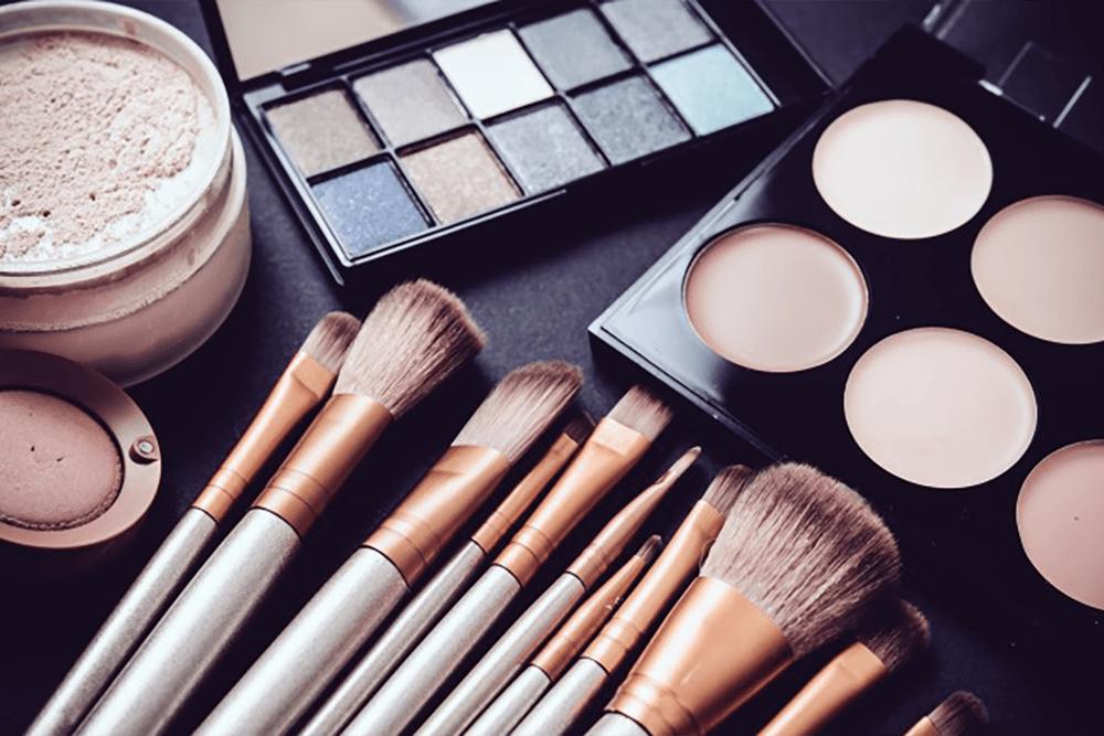 7 powodów dlaczego nie powinnyśmy dzielićsię kosmetykami!