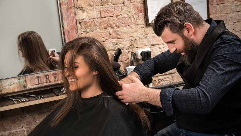 7 pytań, które powinnaś zadaćswojemu fryzjerowi!