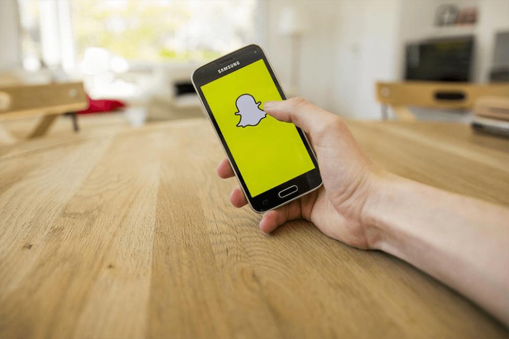 Snapchat testuje nowe Stories i łączy siły z Uberem!