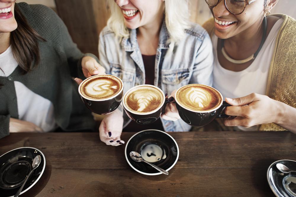 Plusy i minusy picia kawy - będziesz zaskoczona!