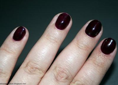 Kosmetyczne inspiracje: Stylizacja paznokci - Semilac 099 Dark Purple Wine
