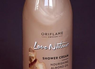 Kosmetyczne inspiracje: Oriflame - Love Nature - Kremowy żel pod prysznic z olejkiem z migdałów