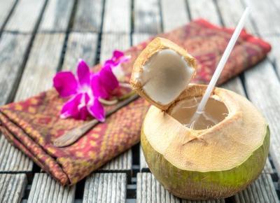 Woda kokosowa - dlaczego warto ją pić?