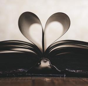 5 ulubionych książek z dzieciństwa – See, Touch, Bite the World