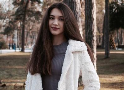 Amelia Świetlik: White Faux Fur