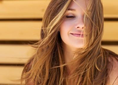 Marzysz o lśniących włosach lub gładkiej cerze? Wypróbuj olejek arganowy!