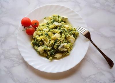 Makaron ze szpinakiem i serem Gorgonzola | Anszpi