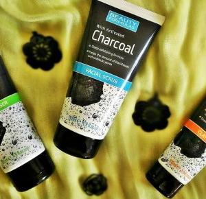 Oczyszczanie skóry kosmetykami z aktywnym węglem