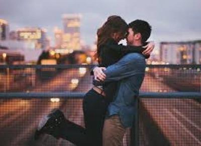 Światowy Dzień Pocałunku ! - Dlaczego warto się całować?