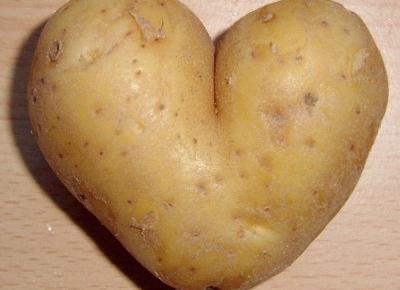 Jak rozjaśnić cerę ziemniakiem?