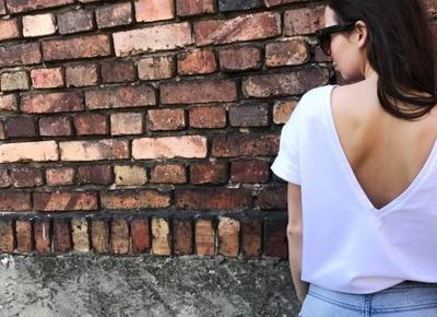 Zmysłowy dekolt w 3 kolorach! - Bluzka Bianco Boutique