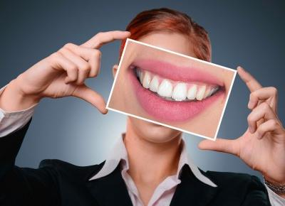 Cosmetics reviews : 4 sposoby na piękny uśmiech