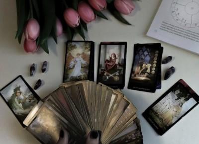Czy Tarot jest Niebezpieczny i czy to Czarna Magia?
