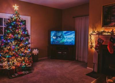 Świąteczny rozkład jazdy w TV – co zobaczymy w telewizji podczas świąt?