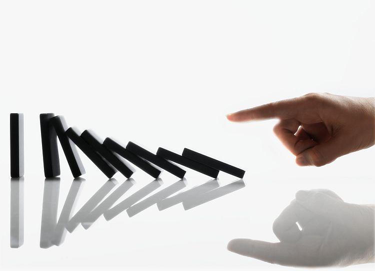 Suzane Cathrine Blog: Efekt domina