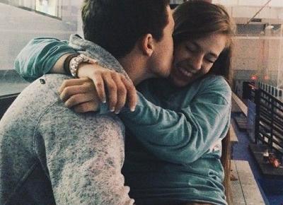 Gdzie dotykać dziewczynę, aby czuła się dobrze? | DlaNastolatek.pl