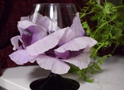 DIY: Kwiecisty kieliszek wina