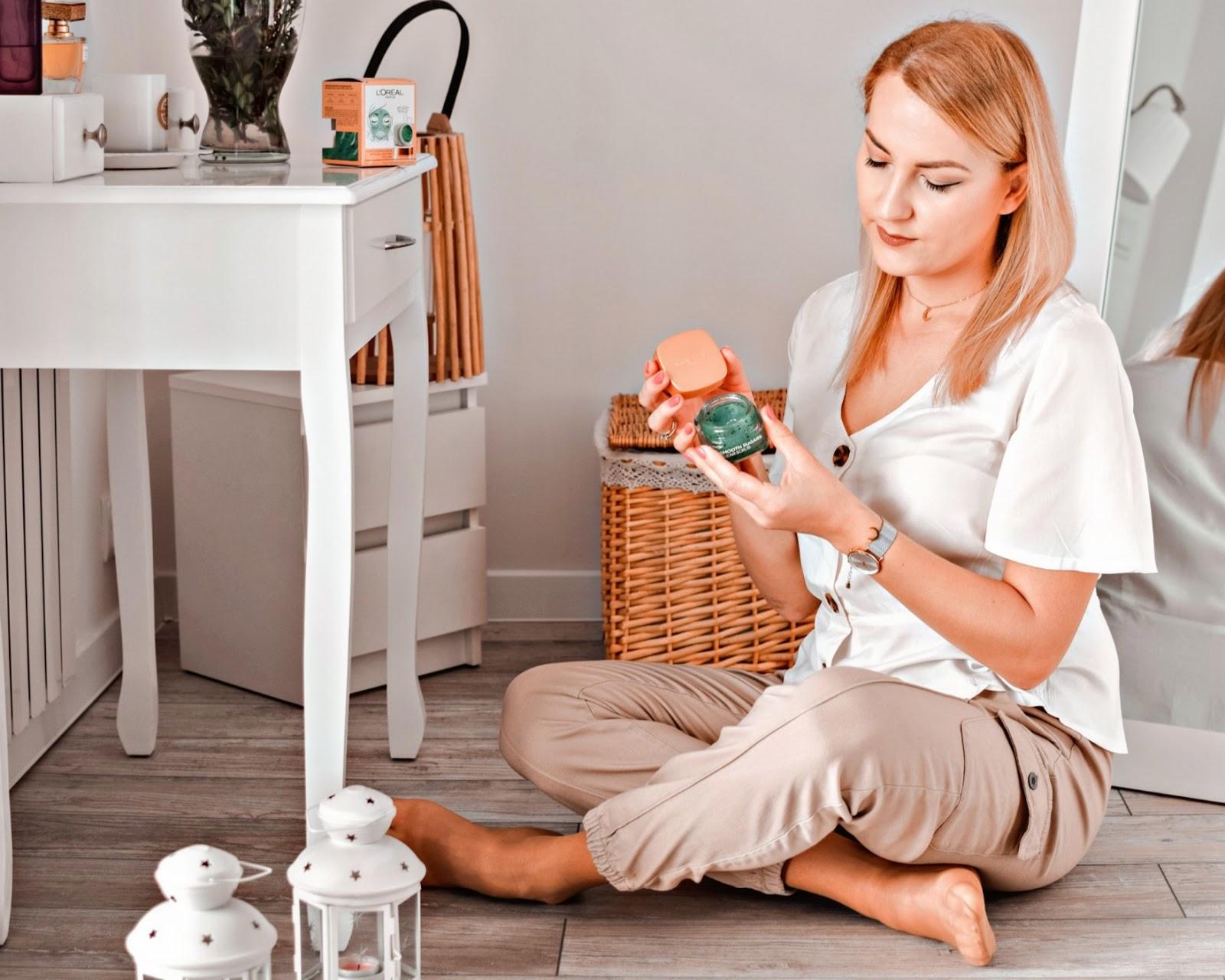 Oczyszczanie skóry z L'oreal Paris Smooth Sugars Scrub