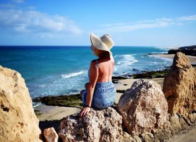 Plażowa stylizacja, czyli strój kąpielowy i pareo
