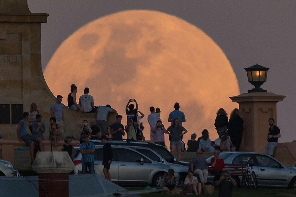 30 najlepszych zdjęć Superksiężyca z całego świata!