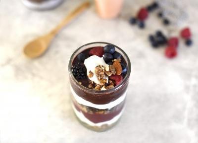 18 fit pomysłów - co jeść z jogurtem