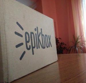 Esencja Dla Duszy - o książkach i nie tylko: UNBOXING Lutowy EpikBox :3