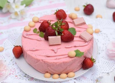 Sweet baking: Ciasto jogurtowe z musem truskawkowym