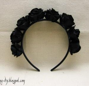 Finq: Opaska z czarnymi różami i z białymi różami