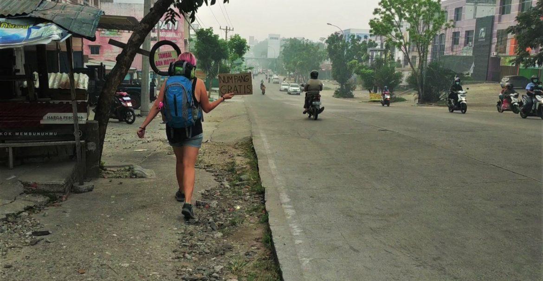 Autostop w Indonezji - informacjie praktyczne i porady.