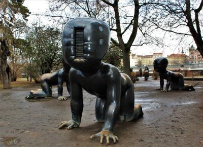 David Cerny Rzeźby - na tropie praskiej alternatywy.