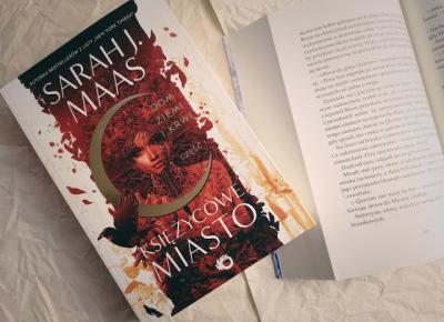 Świat ukryty w słowach: [308] Sarah J. Maas -