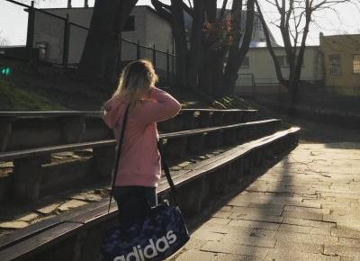 "GLASSY X on Instagram: ""Szukaj swojego sensu życia🍀 #ddobinsta #school #playground #sun #morning #polishgirl #life #nature #photo #hair #lifestyle #instagram #me…"""