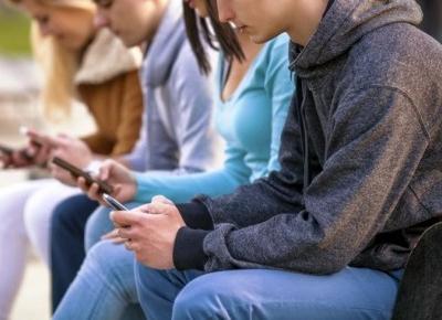 Samotność młodych - problem dotykający już najmłodszych