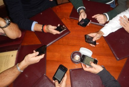Linki godne polecenia na jesienne wieczory (smartfon czy telefon?)