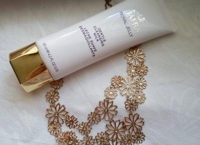 Cosmetics reviews : Royal Jelly mleczko oczyszczajace - Eliksir młodości Jafra Cosmetics