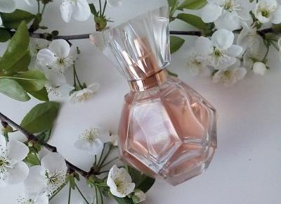 Cosmetics reviews : Diamonds Blush woda perfumowana - nuta elegancji zamknięta w pięknym flakoniku