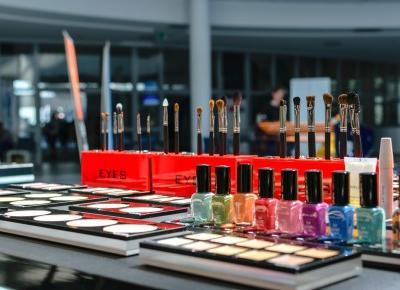 Cosmetics reviews : Dlaczego warto uczestniczyć w targach kosmetycznych?