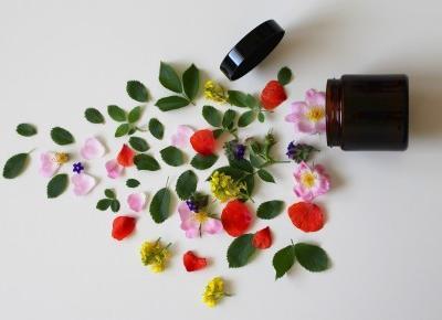 Cosmetics reviews : Kosmetyki ekologiczne - dlaczego warto je stosować?